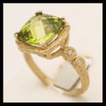 14KY Cushion Checker-top Peridot & Diamond Ring