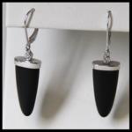 14kW Black Onyz Lever-Back Earrings